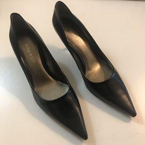 Nine West pointy toe heels!
